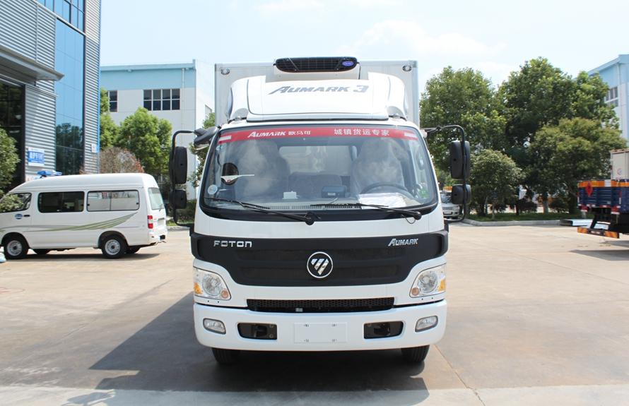 福田欧马可4.2米冷藏车正前图片