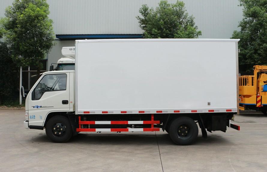 江铃顺达4.2米冷藏车正侧图片