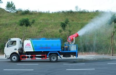 东风多利卡8吨雾炮车实拍图片