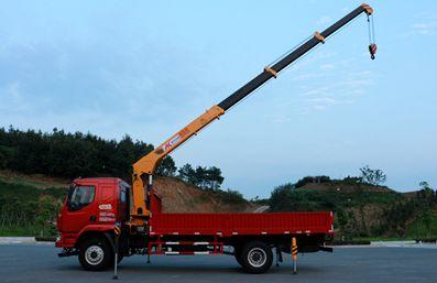 徐工6.3吨随车吊正侧图片
