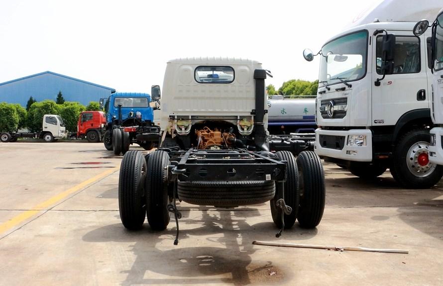 东风5吨抑尘车底盘图片