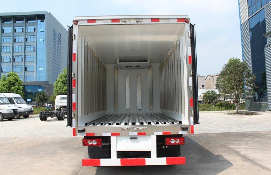 福田欧马可4.2米冷藏车后正图片